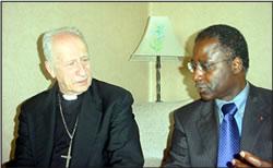 M. Albert KONAN-KOFFI avec Son Excellence le Cardinal Roger ETCHEGARAY